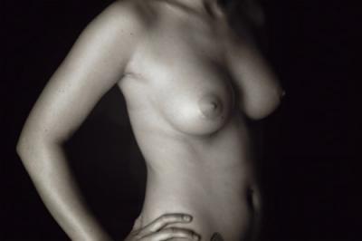 """Peter Bruce lança o livro """"Breasts are Beautiful"""""""